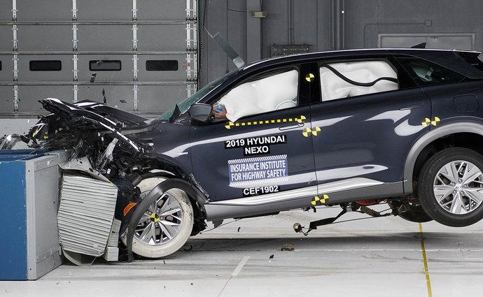 První vodíkové vozidlo obstálo vtestech IIHS